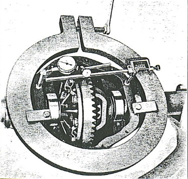 Figure 5 - Install axle housing spreader.
